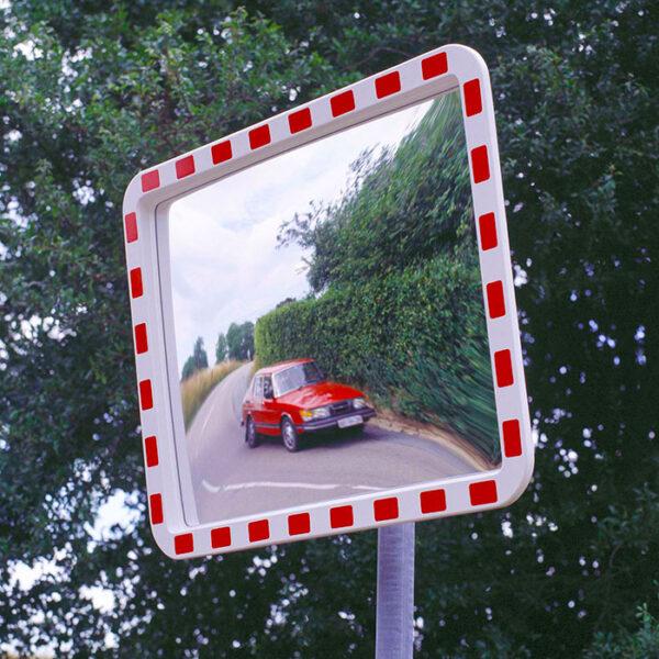 rektangel trafikspejl med rød og hvid kant
