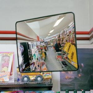 konveks indendørspejl i butik